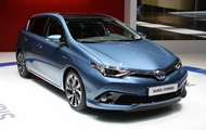 Nowa Toyota Auris Facelifting 2015